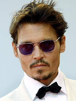 http://www.cinechronicle.com/wp-content/uploads/2010/11/Johnny-Depp.jpg