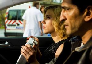 Scarlett Johansson et Amr Waked - Lucy de Luc Besson
