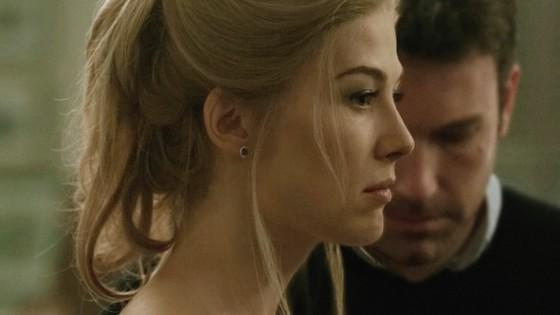 Rosamund Pike et Ben Affleck dans Gone Girl de David Fincher