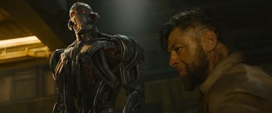 Ultron (James Spader) et Ulysse Klaw (Andy Serkis) dans Avengers - L'Ere d'Ultron