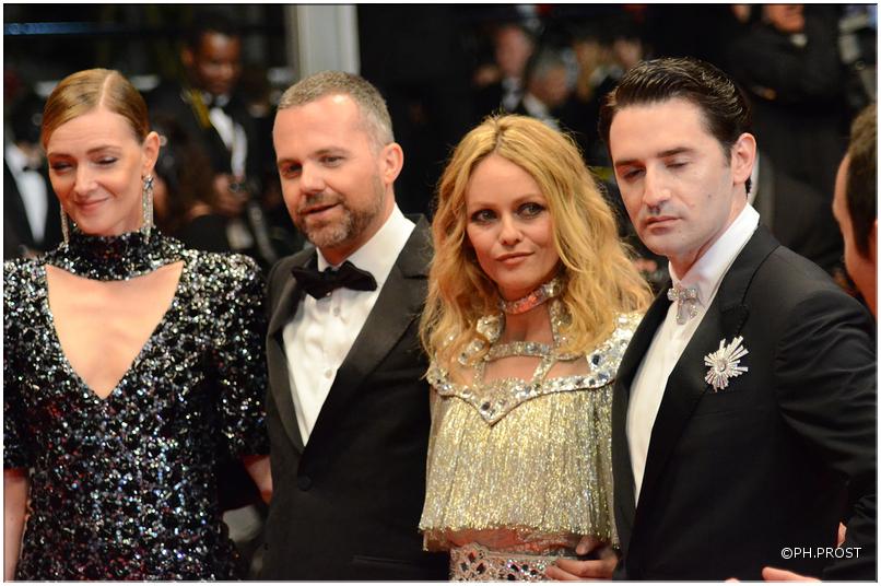 Equipe Un couteau dans le coeur - Cannes 2018 - Credit Philippe Prost pour CineChronicle