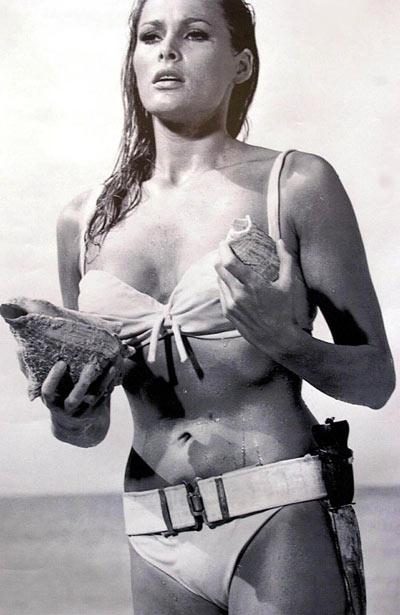 Ursula Andress - James Bond contre Dr No