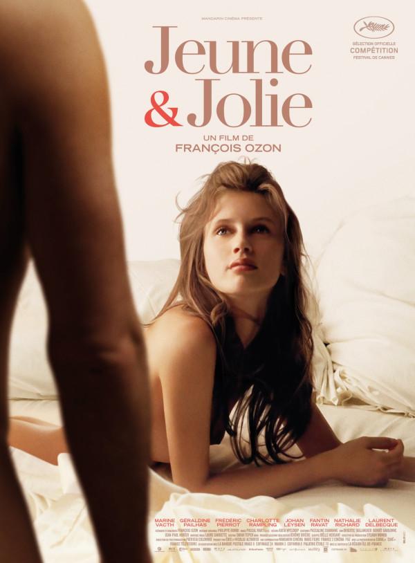 Jeune et Jolie affiche
