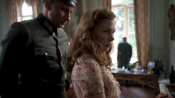 Michelle Williams et Matthias Schoenaerts dans Suite Francaise de Saul Dibb