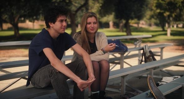 Nat Wolff et Zoe Levin dans Palo Alto de Gia Coppola