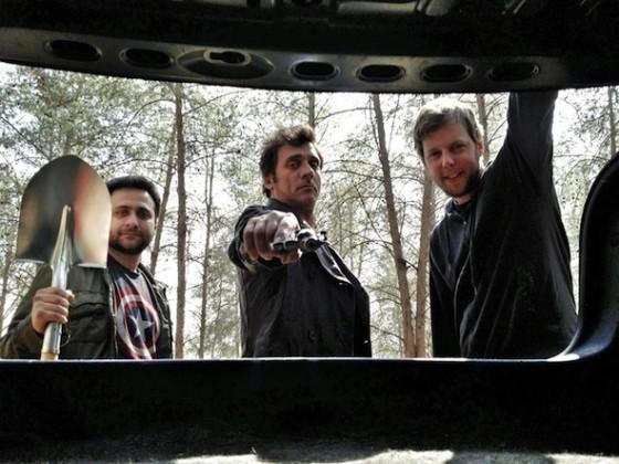 Lior Ashkenazi (au centre) dans Big Bad Wolves de Aharon Keshales et Navot Papushado