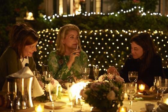 Charlotte Gainsbourg, Chiara Mastroiannni, Catherine Deneuve dans 3 Coeurs de Benoît Jacquot