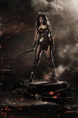Gal Gadot en tenue de Wonder Woman