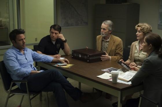 Ben Affleck, David Clennon, Patrick Fugit, Kim Dickens, Lisa Banes dans Gone Girl de David Fincher