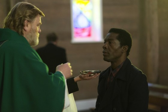 Brendan Gleeson, Isaach de Bankole dans Calvary de John Michael McDonagh