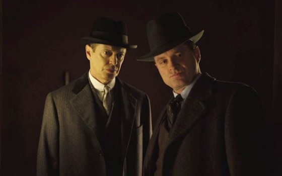 Steve Buscemi (Nucky Thompson) et Shea WHigham (son frere Elias) dans Boardwalk Empire - HBO
