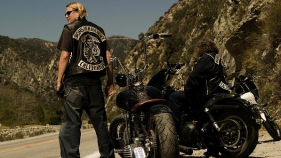 Charlie Hunnam dans Sons of Anarchy