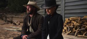 Natalie Portman et Joel Edgerton dans Jane Got a Gun