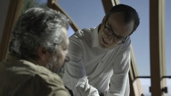 Jonathan Lambert et Alain Chabat dans Realite de Quentin Dupieux