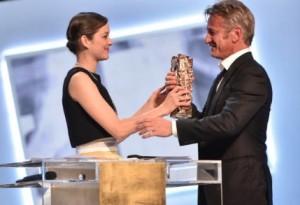 Sean Penn César d'Honneur, remis par Marion Cotillard