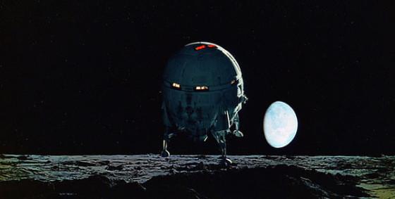 Capture d'écran navette Aries 1B Trans-Lunar dans 2001 l'Odyssée de l'Espace de Stanley Kubrick