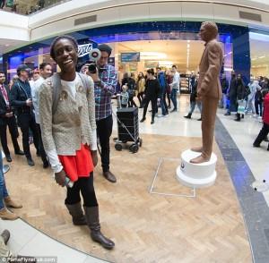 Benedict Cumberbatch, sa  statue en chocolat dans un centre commercial londonien