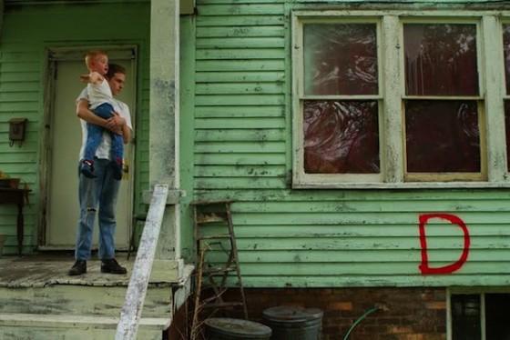 Iain de Caestecker dans Lost River de Ryan Gosling