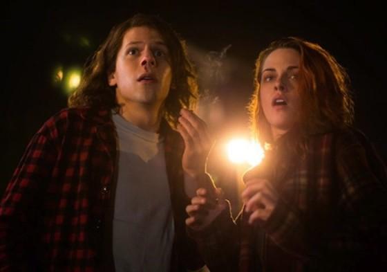 Jesse Eisenberg et Kristen Stewart dans American Ultra