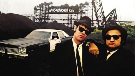 Dan Aykroyd et John Belushi dans les Blues Brothers