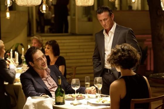 Sean Penn, Javier Bardem et Jasmine Trinca dans Gunman de Pierre Morel