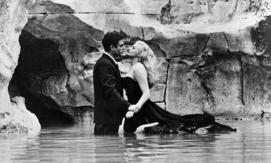 Anita Ekberg et Marcello Mastroianni dans La Dolce Vita