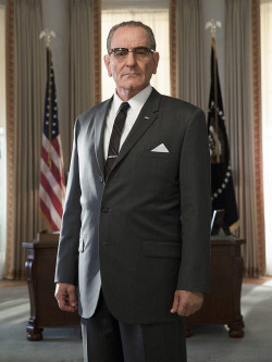 Bryan Cranston en President Lyndon B. Johnson - All the Way - HBO