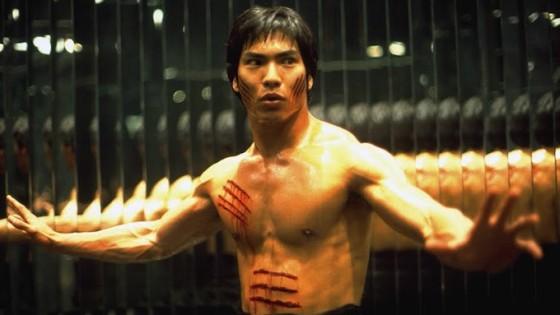 Jason Scott Lee dans Dragon, l'histoire de Bruce Lee de Rob Cohen