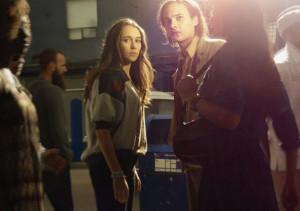 Alycia Debnam Carey et Frank Dillane dans Fear the Walking Dead