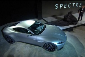Aston Martin DB10 - James Bond L'Exposition