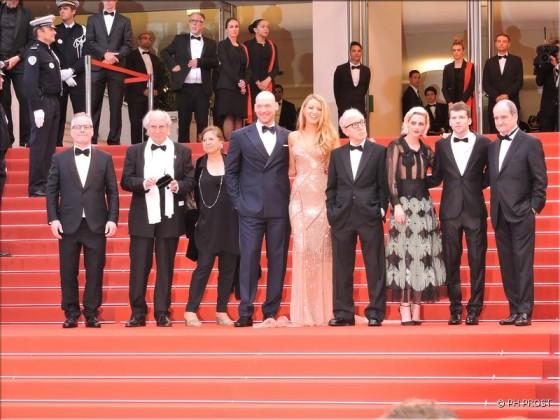 Equipe Café Society - montée des marches Cannes 2016