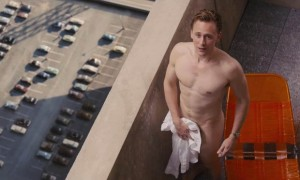 Tom Hiddleson dans High Rise