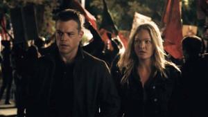 Matt Damon et Julia Stiles dans Jason Bourne