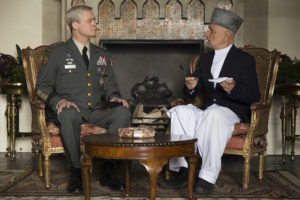 Brad Pitt et Ben Kingsley - War Machine