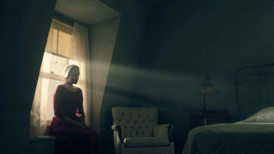 Elisabeth Moss - The Handmaids tale