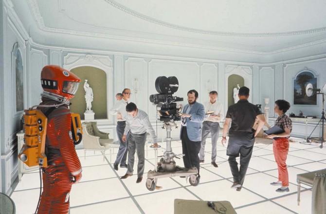 2001- Stanley Kubrick sur le tournage - Copyright MGM Warner Bros