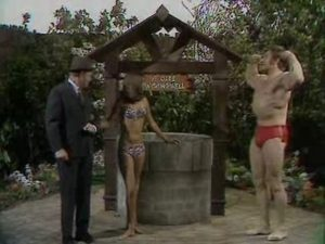 David Prowse dans Benny Hill Wishing Well